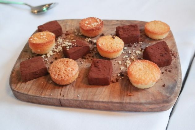 The Gun, Docklands in London - Petit Fours