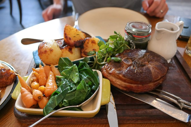 Sharing Roast Lamb - The Crooked Well in Cambterwell, London