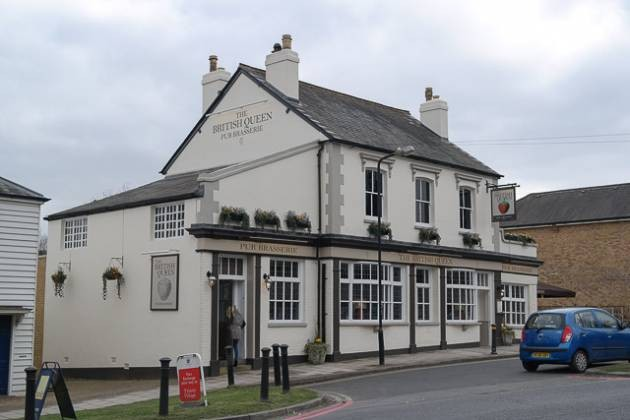 The British Queen, Locksbottom