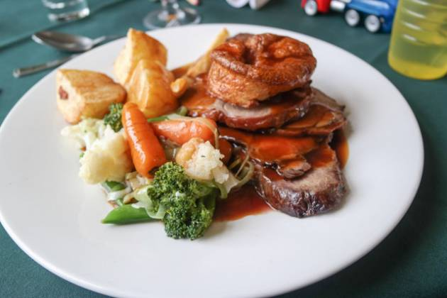 The Snail, Sevenoaks - Mixed Roast Lamb and Beef