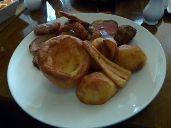 The Frog & Wicket, Eversley - Trio of  Roast Meats!